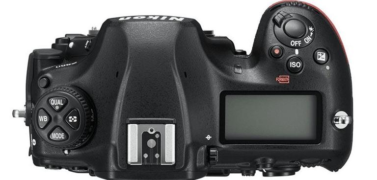 La Nikon D850 vista dall'alto